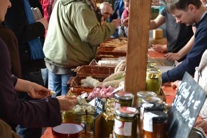 Getrocknete Salami, Pesto und Käse, die Rendezvino bot nicht nur Wein.