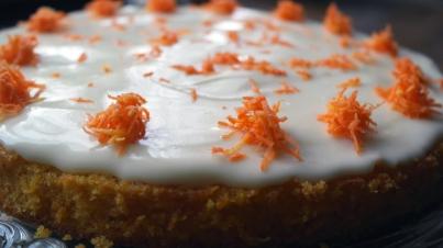 Ein Kuchentraum in weiß-orange.