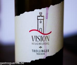 Etikett auf Weinflasche Trollinger Vision Heuchelberg Wingärtner