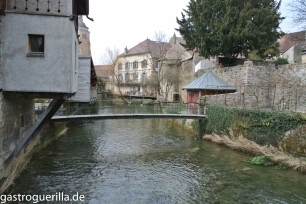 Arbois ist auch eher ein verschlafenes Dörfchen und doch einer der größten Orte im Jura.